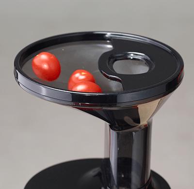 Wolnoobrotowa wyciskarka do soków Hurom Easy H100S pomidory koktailowe